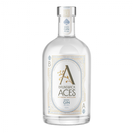 """<p>Our Spades Gin&nbsp;is&nbsp;savoury and fresh on the palate, leading with notes of green cardamom and parsley,&nbsp;perfectly balanced by sweet citrus and native Australian lemon myrtle, with our distinct Tasmanian pepperberry after note that lingers between sips.</p><div class=""""page"""" title=""""Page 3""""> <div class=""""layoutArea""""> <div class=""""column""""> <p><span>As a classic London Dry style, you can't look past a Gin &amp; Tonic to highlight the blend.&nbsp;</span><span>The aromatic savoury and citrus notes cut through a range of other mixers too, try cranberry or ginger ale.</span></p> <p><span>With&nbsp;garnishes, get creative with fresh or dried grapefruit, rosemary, strawberries,&nbsp;or finger lime.</span></p> </div> </div> </div>"""